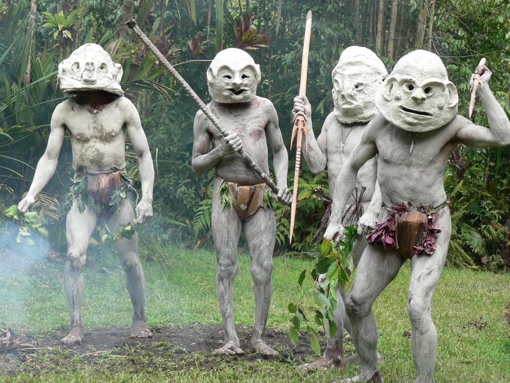 Huli boys in Papua Neuguinea