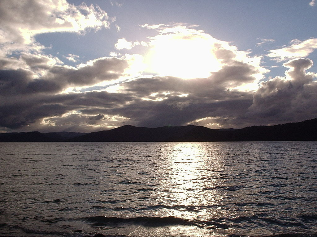 Lake_Waikaremoana