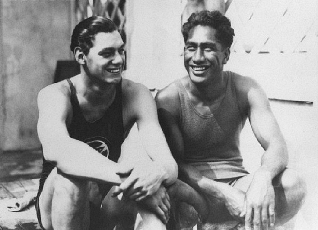 Johnny_Weismuller_and_Duke_Kahanamoku
