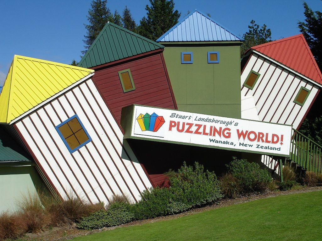 Stuart_Landsboroughs_Puzzling_World,_Wanaka,_New_Zealand