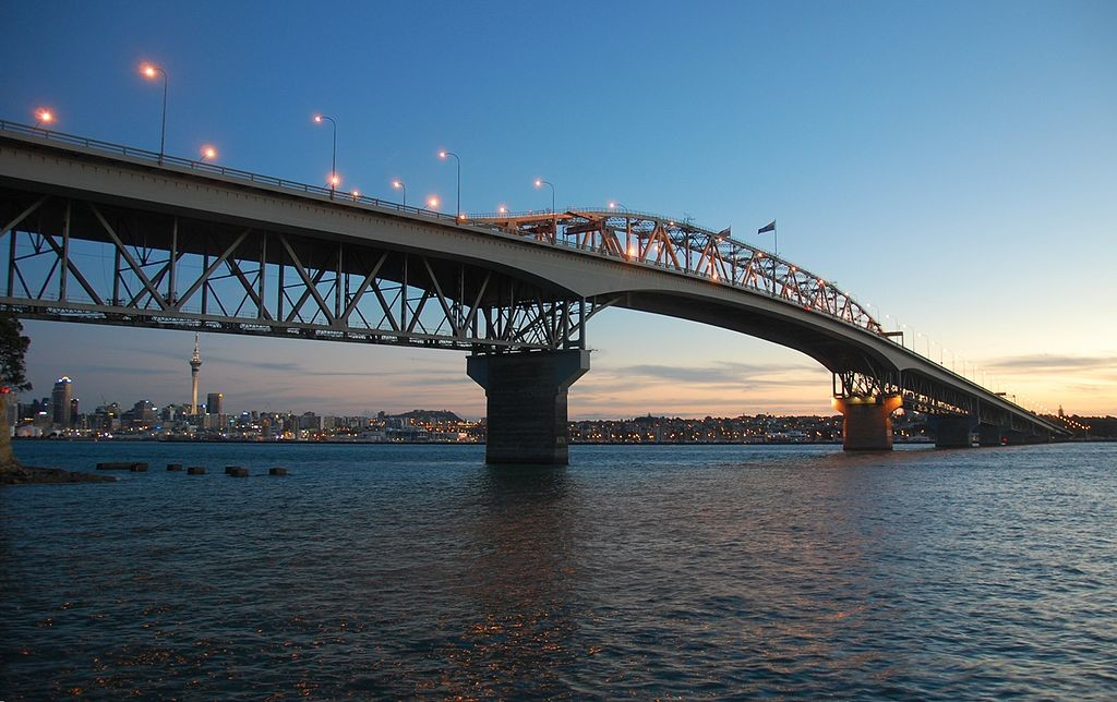 Harbour_Bridge_Auckland