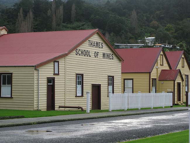 Thames_-_School_of_mines