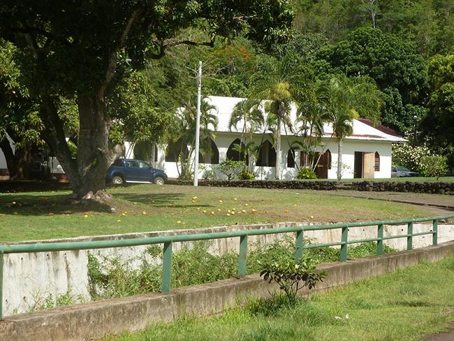 Haus in der Dorfmitte von Atuona