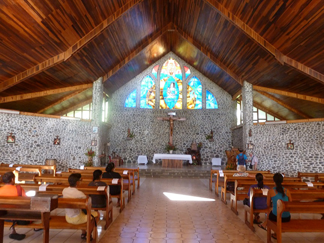 Das Innere der Kirche von Omoa