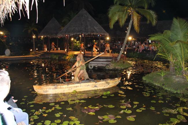 "Dinner Show ""Te Vara Nui"" auf Rarotonga"