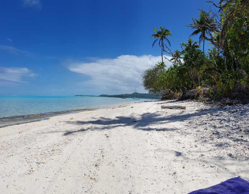 Einsames Motu vor Bora Bora
