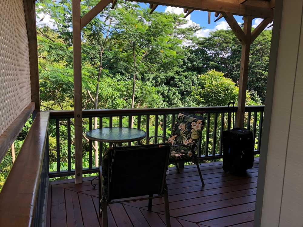 Terrasse des Banyan Inn auf Kauai