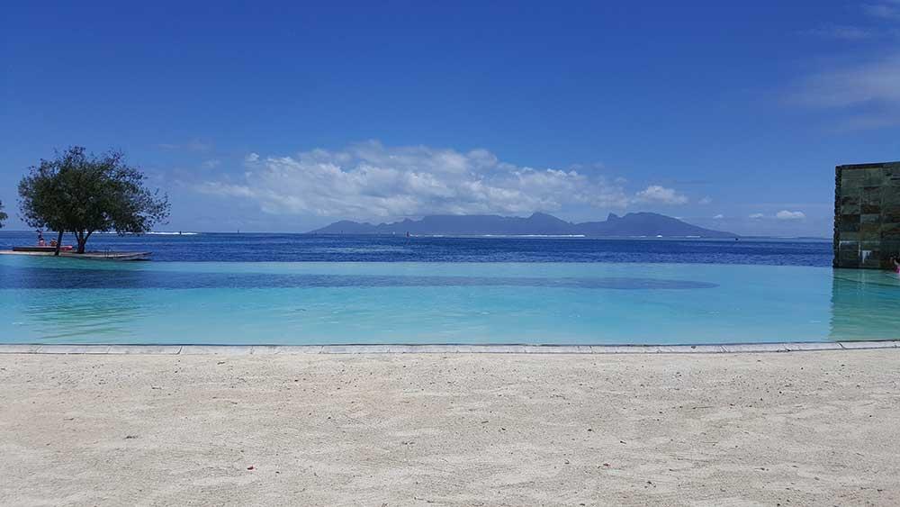 Pool im Manava Suites Hotel Tahiti