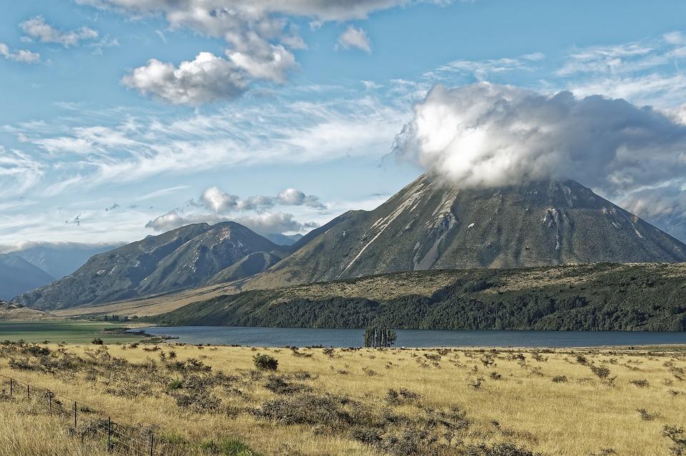 Die weiten Steppenlandschaften auf der Südinsel sind der Drehort für die Pelennor-Felder