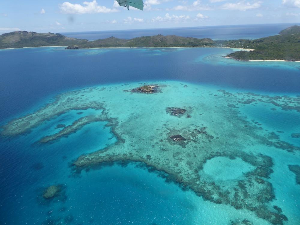 Mit dem Wasserflugzeug über die Fijis