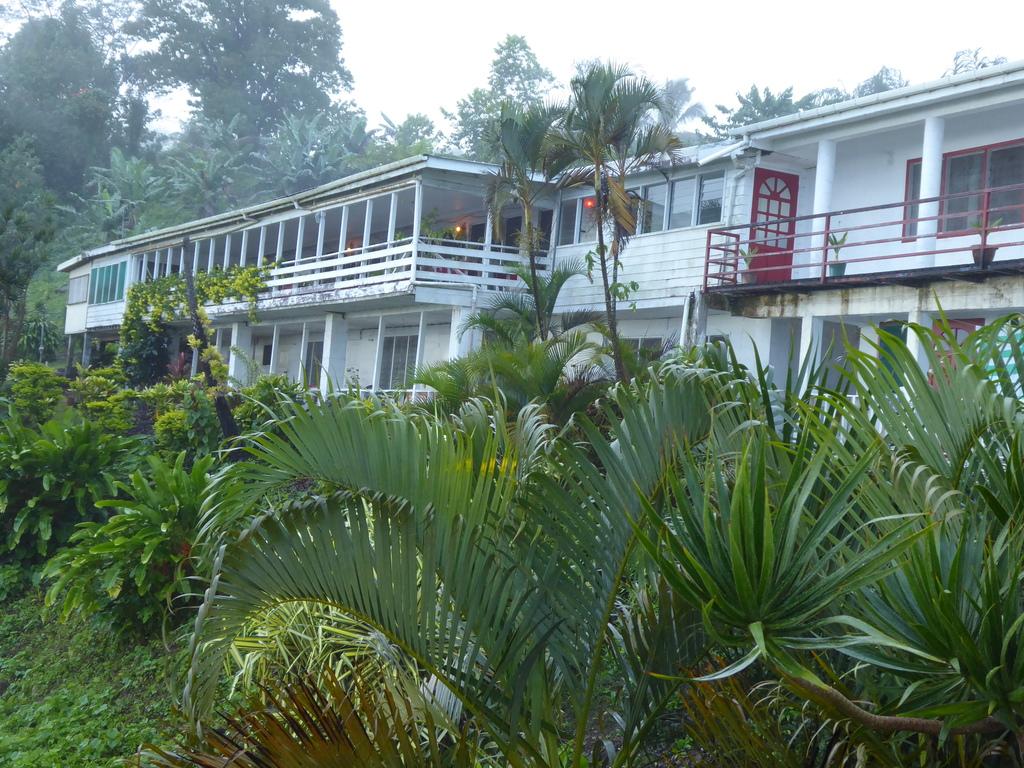 Dave Parker Eco Lodge Samoa