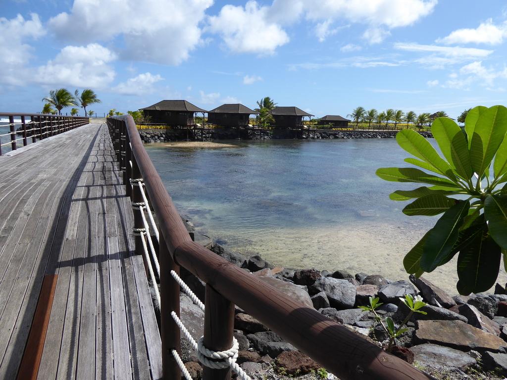 Bungalows im Aga Reef Resort Samoa