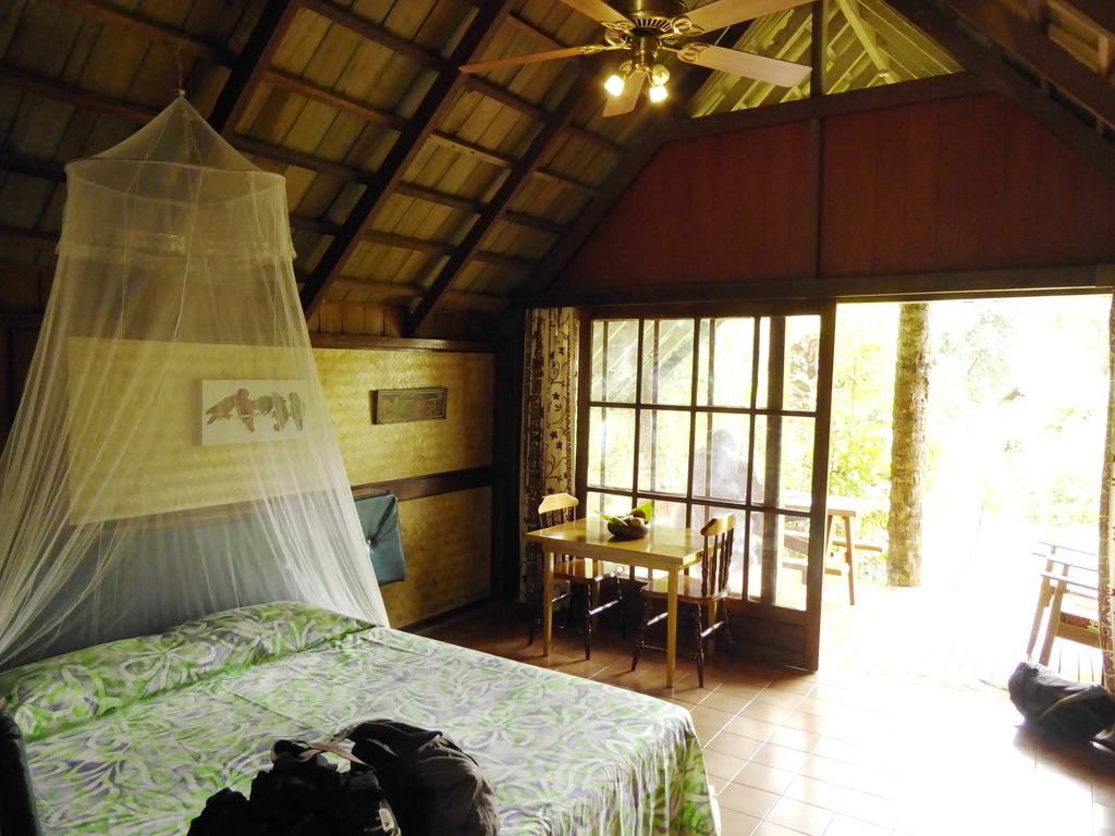 Zimmer der Atiu Villas Cook Inseln