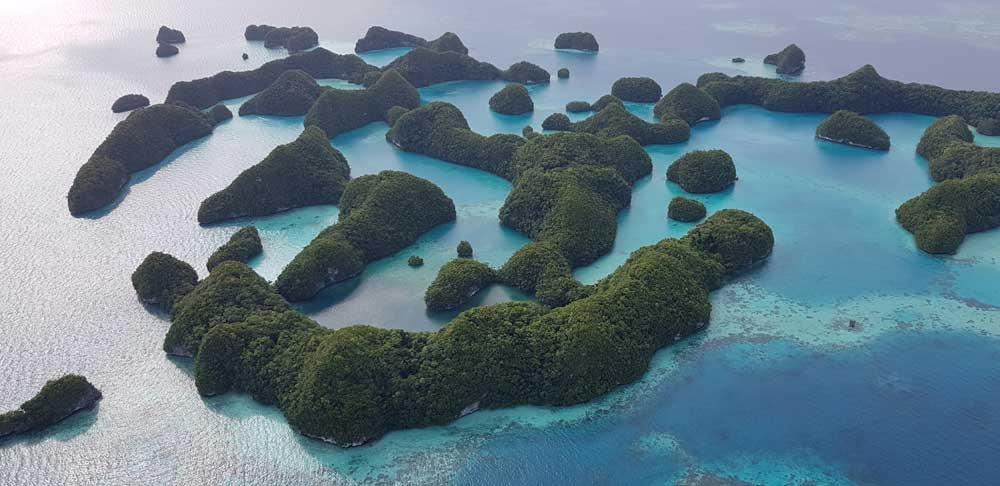 Rundflug über die Chelbacheb-Inseln