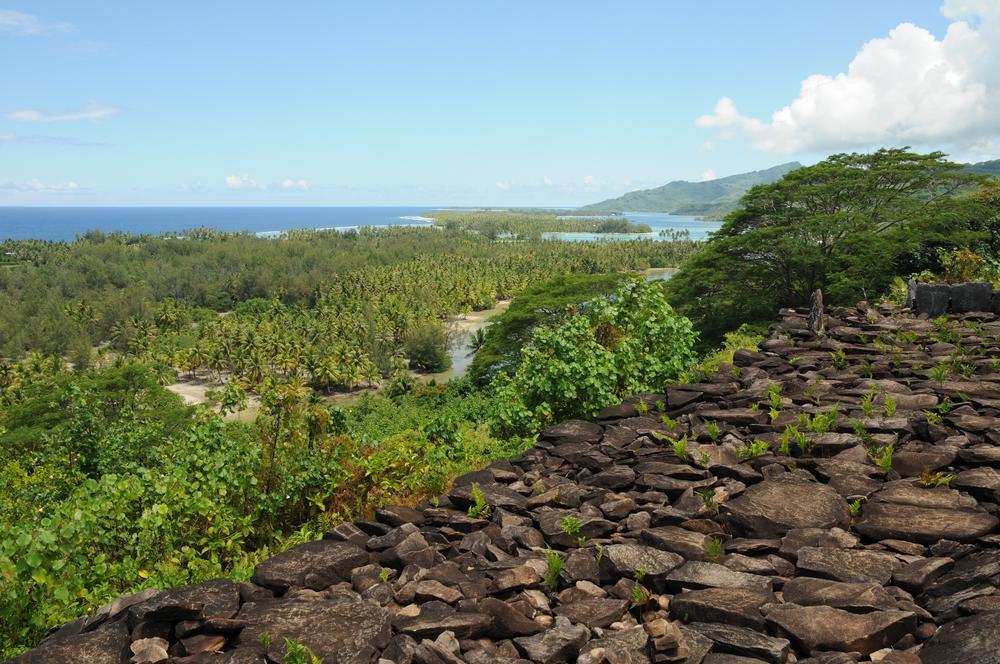 Blick über die Lagune in Huahine
