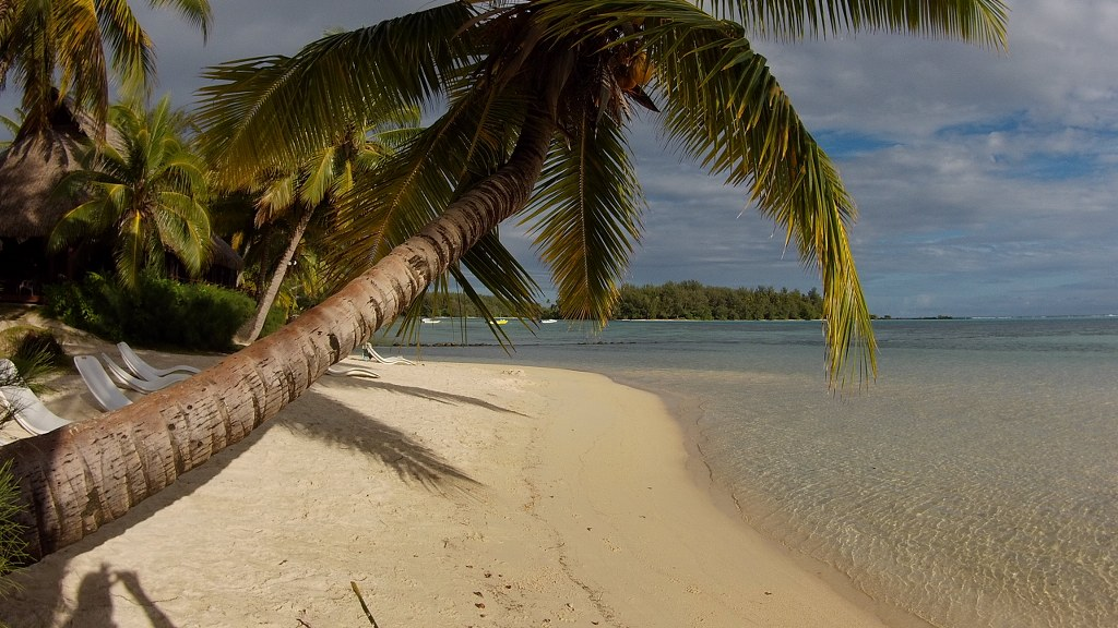 Strand am Hotel Les Tipaniers in Moorea