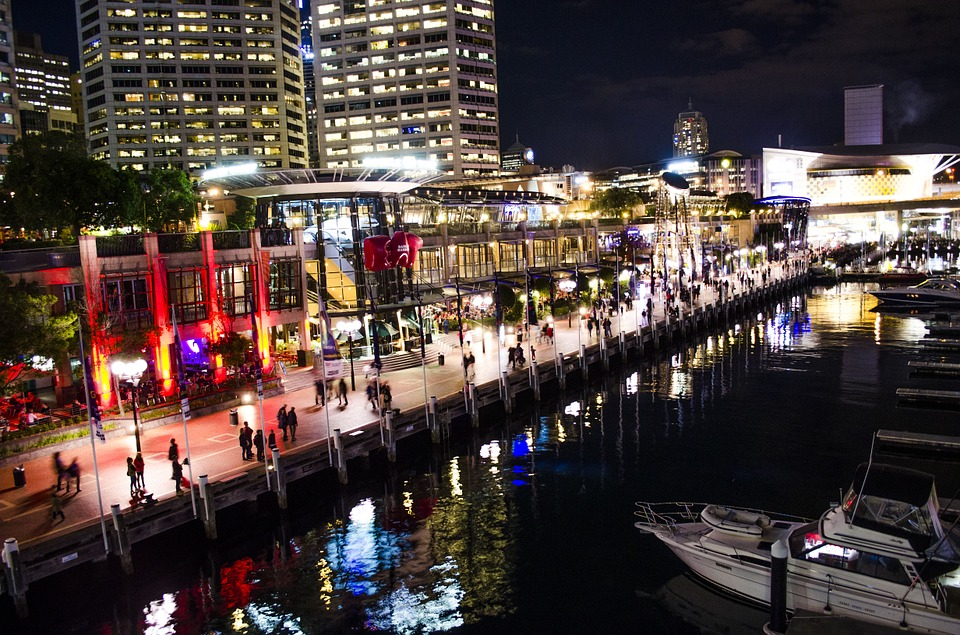 Darling Harbour in Sydney bei Nacht