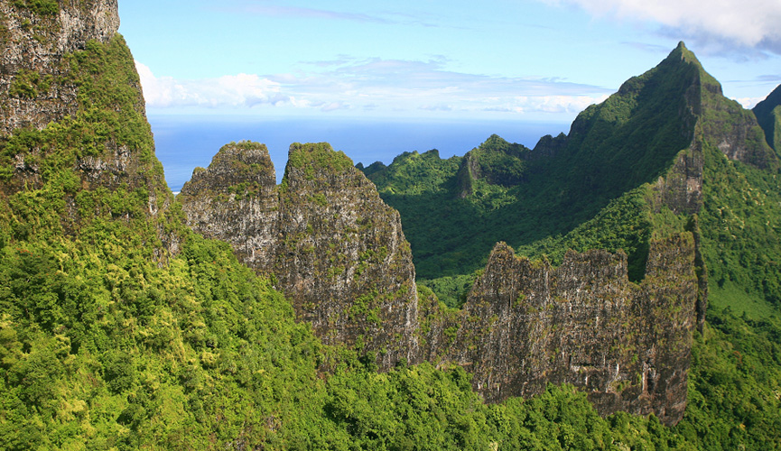 Moorea-Mountains.jpg